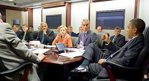 Barack Obama lors d'une réunion à la Maison-Blanche, le 4 mai dernier. À sa droite, Rahm Emanuel, le chef de l'Administration, qui rêve d'occuper le poste de maire de Chicago.