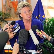 Roms: Bruxelles menace Paris d'une procédure