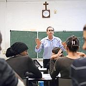 Aider les écoles catho à intégrer les musulmans