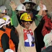 Chili : les 33 mineurs remontent à la surface