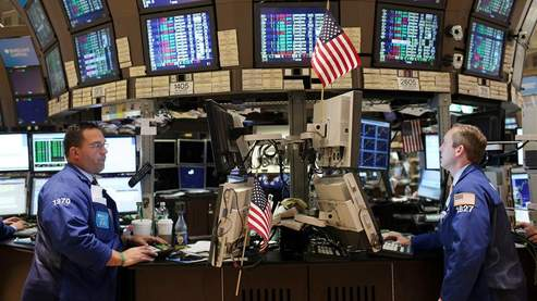 Wall Street reste prudente