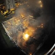 Un collège détruit par les flammes au Mans