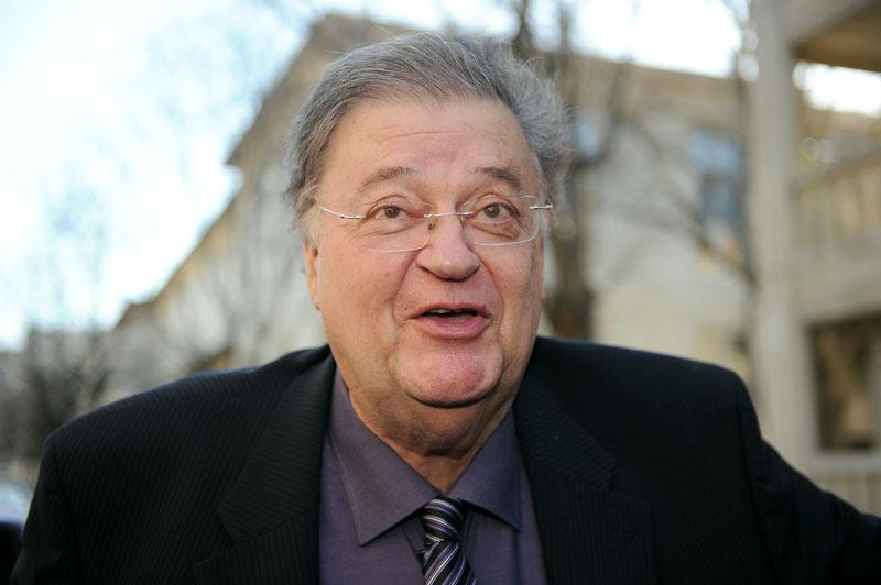 Georges Frêche, président du Conseil régional de Languedoc-Roussillon, à son arrivée à sa permanence à Montpellier, le 2 février dernier. Il est décédé dimanche 24 octobre, à l'âge de 72 ans, victime d'un arrêt cardiaque.