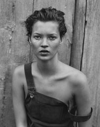 Kate Moss, Harper's Bazaar USA, Long Island, New York, 1994. (Crédits photo: Peter Lindbergh)