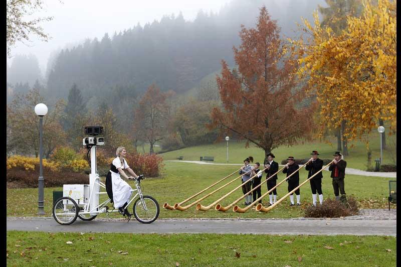 Dans de nombreux endroits de la planète, Google met à jour sa cartographie de la terre, comme ci-dessus, à Oberstaufen, en Allemagne, mardi 2 novembre.