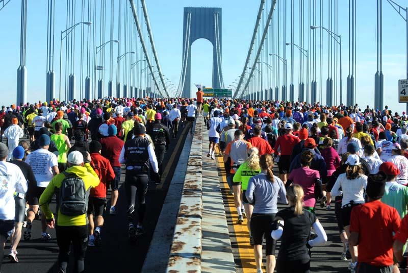 Dimanche 7 novembre, une marée humaine s'est élancée sur le pont de Verrazano, à New York, à l'occasion du marathon. Il a été remporté par l'Éthiopien Gebre Gebremariam pour les hommes, et la Kényane Edna Kiplagat pour les femmes.