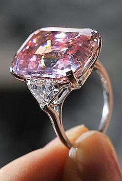 Ce rare diamant provenant d'une collection privée indienne revient sur le marché 60 ans après avoir été acheté au joaillier Harry Winston.