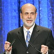 Bernanke défend sa politique en Europe