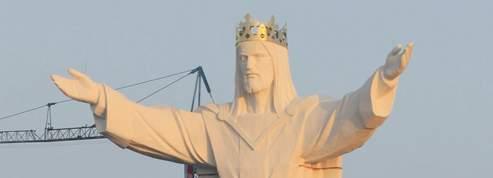 Le plus haut Christ du monde inauguré en Pologne