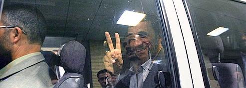 La Peugeot 504 d'Ahmadinejad vaut un million de logements