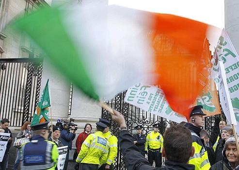 Les Irlandais ont manifesté le 22 novembre, à Dublin, contre les mesures d'austérité annoncées.