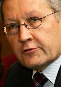 Klaus Regling, directeur du Fonds européen de stabilité financière. (Crédits photo : AFP PHOTO/TENGKU BAHAR )