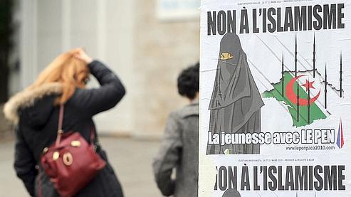 L'affiche diffusée par le mouvement «jeunesse» du FN pendant la campagne des régionales de mars 2010.