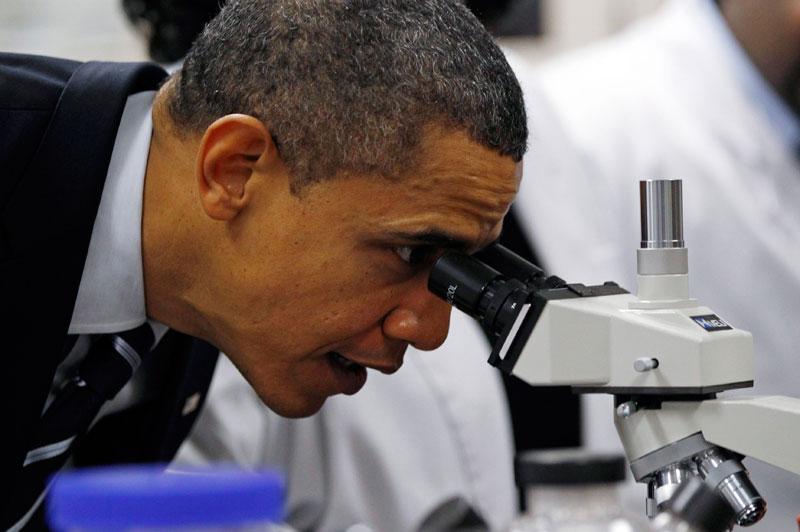 Le président Barack Obama s'est rendu dans un centre professionnel à Winston-Salem, en Caroline du Nord, le 6 décembre. Il souhaite que les États-Unis se mobilisent pour la recherche et l'enseignement, clés selon lui de leur future prospérité.