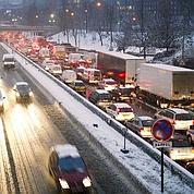Transports : des milliers de Franciliens piégés