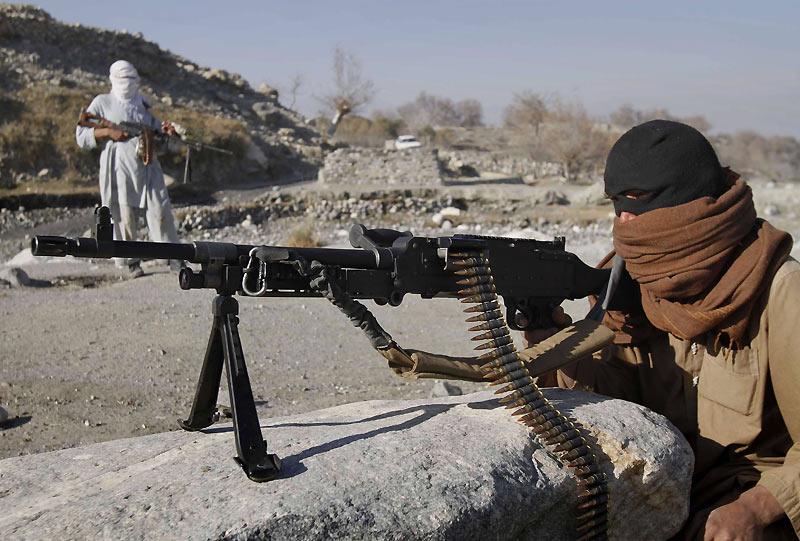 Lundi 13 décembre, ces talibans surveillent et contrôlent une zone restée confidentielle, dans la province de Nangarhar, à l'est de Kaboul, en Afghanistan.