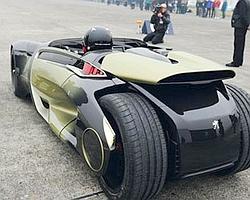 EX1 accélère aussi fort qu'une Ferrari.