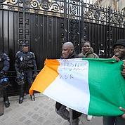 Paris : l'ambassade brièvement occupée