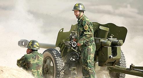 Des soldats chinois lors d'un exercice à Pékin, en octobre 2008. L'Armée populaire de libération compte plus de deux milllions d'hommes.