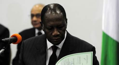 Les autorités françaises, qui ont exclu d'intervenir militairement dans le conflit, soutiennent Alassane Ouattara.