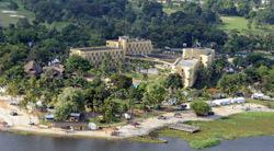 L'Hôtel du Golf où sont installés les quartiers généraux de l'équipe du président élu Alassane Ouattara. (Crédits photo: AFP)