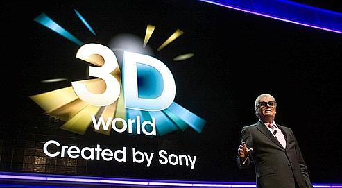 Après le Caméscope en 3D, Sony continue de miser sur cette technologie. Mercredi, Howard Stringer, le PDG de l'entreprise, est apparu dans un salon à Las Vegas portant des lunettes 3D.