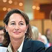 Royal se pose en héritière de Mitterrand