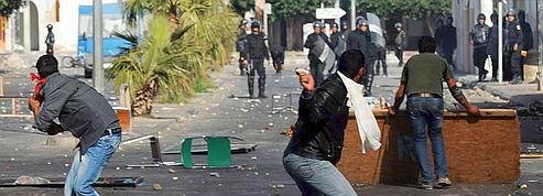 Nouveaux heurts en Tunisie, Ben Ali promet des milliers d'emplois