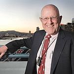 Gordon Bell ne quitte plus le prototype de SenseCamqu'il porte autour du cou depuis 2003.
