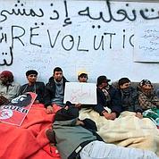 Tunis: la rue poursuit le siège du gouvernement
