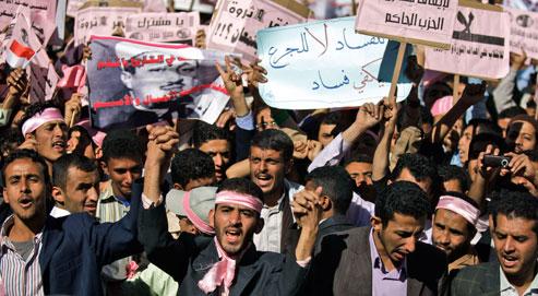 Comme les Tunisiens et les Égyptiens, les Yéménites contestent leur président dans la rue. (Crédits photo: Hani Mohammed/AP)