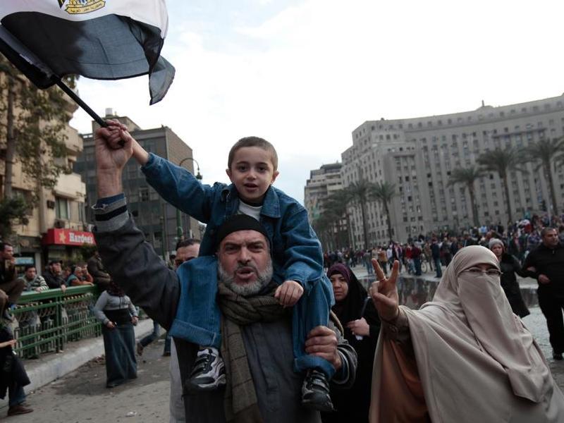 La révolte, qui en de nombreux endroits a tourné à l'émeute et dégénéré en de violents affrontements entre police et manifestants, a fait plus de 120 morts et au moins 2000 blessés depuis mardi, en majorité des civils.