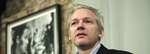Assange évoque un «déluge» de documents secrets<br /> » class= »photo » /></a></font></strong></p> <p><strong><font face=