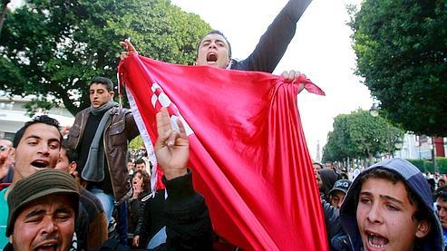 Des étudiants tunisiens ont manifesté mardi dans la capitale.