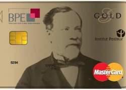 La carte bancaire de BPE, à l'effigie de Louis Pasteur, dernière arrivée sur le marché des cartes caritatives.