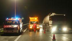 Intervention sur un accident des pompiers, des policiers et de la DDE, à Marcoussis. (Crédits photo: Paul Delort/Le Figaro)