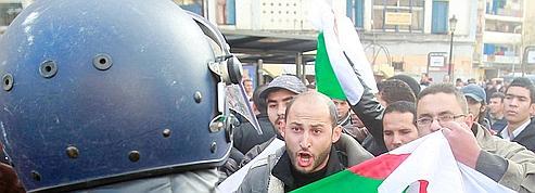 Algérie : l'opposition appelle à manifester tous les samedis
