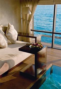 Zen chic pour cette villa sur pilotis du Beach House Maldives...(Franck Prignet/Le Figaro Magazine)