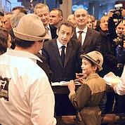 Sarkozy joue la carte de la proximité