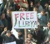 Capture d'écran montrant des manifestants anti-Kadhafi à Tobrouk.
