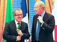 Les ministres de l'Intérieur italien, Maroni, et français, Hortefeux, à Rome, mercredi.