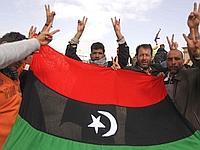 Des manifestants crient leur joie à Tobrouk.