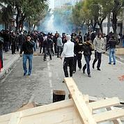 Violences à Tunis, répression à Oman