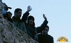 Kadhafi lors de sa brève apparition sur la place Verte, à Tripoli.