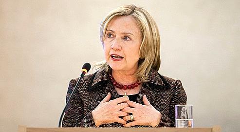 La secrétaire d'État américaine Hillary Clinton a appelé audépart immédiat de Kadhafi, lundi, devant le Conseil des droits de l'homme de l'ONU, à Genève.