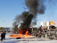 A Tripoli, un camion-citerne a brûlé.