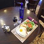 Café La Bourgogne.