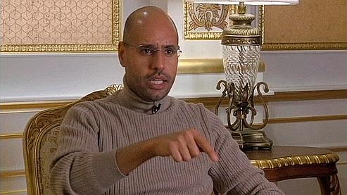 «La première chose que l'on demande à ce clown, c'est de rendre l'argent au peuple libyen», lance Seïf al-Islam.