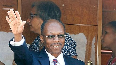 Aristide retrouve Haïti après sept ans d'exil