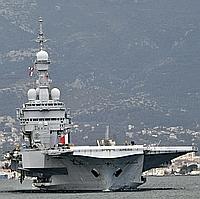 Le Charles De Gaulle quitte Toulon pour la Libye.
